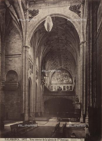 AVQ-A-002692-0077 - Interno della chiesa di San Domenico a Salamanca - Data dello scatto: 1875 ca. - Raccolte Museali Fratelli Alinari (RMFA), Firenze