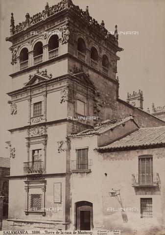 AVQ-A-002692-0092 - la torre del Palacio de Monterrey a Salamanca - Data dello scatto: 1875 ca. - Archivi Alinari, Firenze
