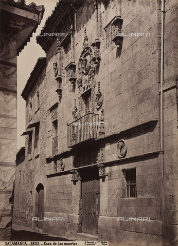 AVQ-A-002692-0093 - Facciata della Casa de las Muertes a Salamanca - Data dello scatto: 1875 ca. - Raccolte Museali Fratelli Alinari (RMFA), Firenze
