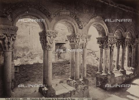 AVQ-A-002692-0094 - Il chiostro della Escuela de la Vega a Salamanca - Data dello scatto: 1875 ca. - Raccolte Museali Fratelli Alinari (RMFA), Firenze