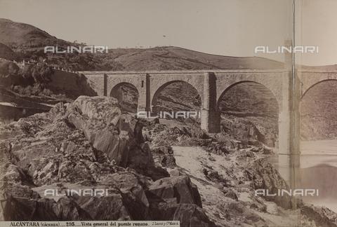 AVQ-A-002692-0095 - Il ponte romano di Alcantara in Spagna - Data dello scatto: 1875 ca. - Raccolte Museali Fratelli Alinari (RMFA), Firenze