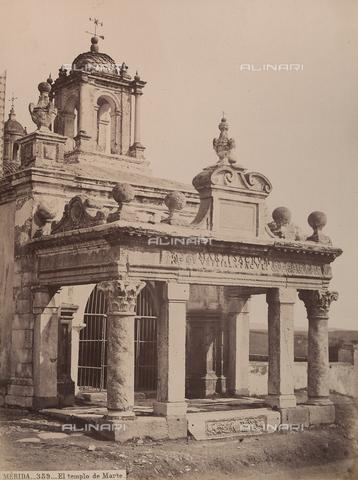AVQ-A-002692-0097 - La chiesa di Santa Eulalia, costruita nel VI secolo su un tempio di Marte a Mérida in Spagna - Data dello scatto: 1875 ca. - Archivi Alinari, Firenze