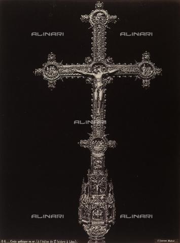 AVQ-A-002692-0100 - Croce in oro, conservata nel Museo-tesoro della chiesa di San Isidoro a Leòn - Data dello scatto: 1875 ca. - Archivi Alinari, Firenze