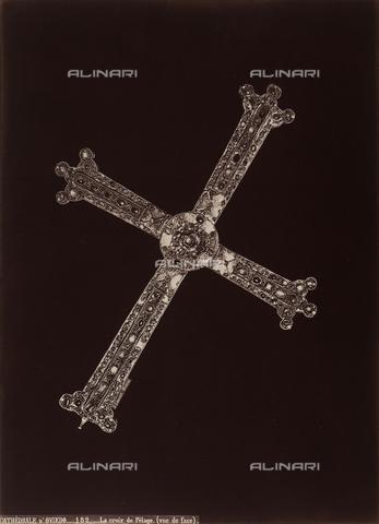 AVQ-A-002692-0106 - La Croce di Pelagio (recto), opera conservata nel Museo della cattedrale di Oviedo in Spagna - Data dello scatto: 1875 ca. - Archivi Alinari, Firenze