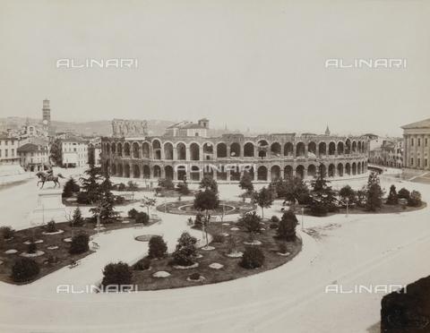 AVQ-A-002827-0040 - L'Arena di Verona - Data dello scatto: 1870 ca. - Archivi Alinari, Firenze
