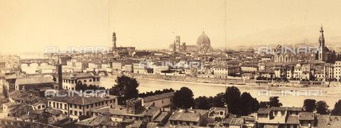 AVQ-A-002966-0004 - Panorama of the city of Florence. To be noted the Church of Santa Croce, the Catehdral and the Palazzo della Signoria - Data dello scatto: 1863 ca. - Archivi Alinari, Firenze