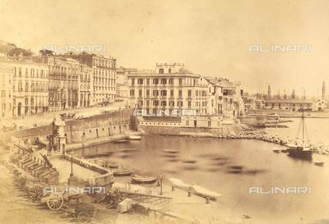 AVQ-A-002966-0006 - Il Rione di Santa Lucia a Napoli con l'Hodel de Rome e l'Hotel de Russie. - Data dello scatto: 1854-1863 - Archivi Alinari, Firenze