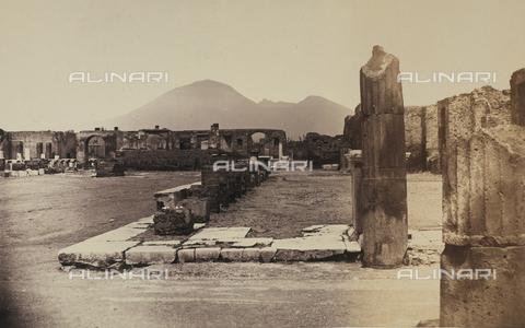 AVQ-A-002966-0073 - Resti archeologici del Tempio di Giove nel Foro romano di Pompei - Data dello scatto: 1862 ca. - Archivi Alinari, Firenze