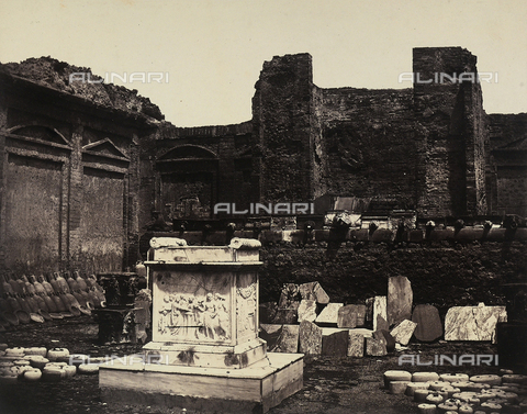 AVQ-A-002966-0075 - The Sacred Temple of Augustus former temple of Mercury at Pompeii; in the foreground a marble depicting a sacrifice - Data dello scatto: 1862 ca. - Archivi Alinari, Firenze
