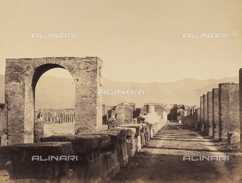 AVQ-A-002966-0079 - Pompeii's Roman Forum seen from the northwest - Data dello scatto: 1862 ca. - Archivi Alinari, Firenze