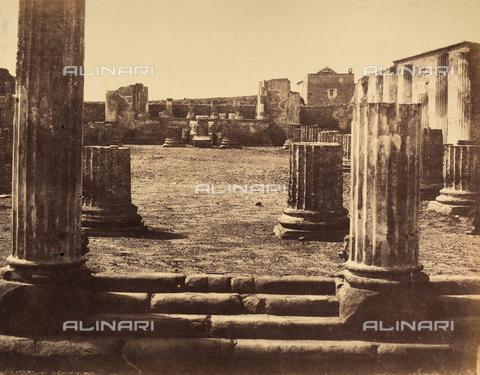 AVQ-A-002966-0081 - Resti della Basilica di Pompei visti da sud-est - Data dello scatto: 1862 ca. - Archivi Alinari, Firenze