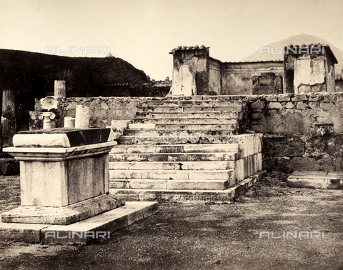AVQ-A-002966-0084 - Altar and cella of the Pompeiian Temple of Venus - Data dello scatto: 1862 ca. - Archivi Alinari, Firenze