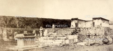 AVQ-A-002966-0086 - Sacrificial altar and cella of the Pompeiian Temple of Venus - Data dello scatto: 1862 ca. - Archivi Alinari, Firenze