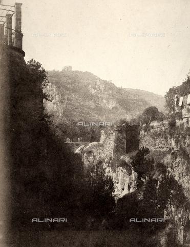 AVQ-A-002966-0097 - Burrone presso Punta del Capo a Sorrento - Data dello scatto: 1854-1863 ca. - Archivi Alinari, Firenze