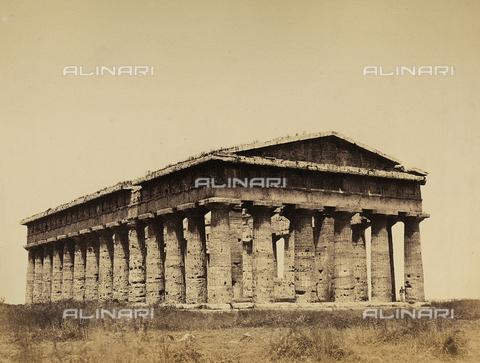 AVQ-A-002966-0117 - Il tempio di Nettuno a Paestum ripreso da sud est - Data dello scatto: 1859 - Archivi Alinari, Firenze