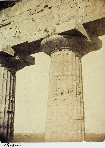 AVQ-A-002966-0120 - Detail of a capital in the interior of the Temple of Neptune at Paestum - Data dello scatto: 1859 - Archivi Alinari, Firenze