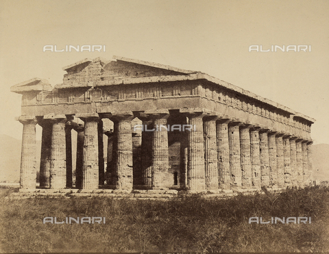 AVQ-A-002966-0121 - Il tempio di Nettuno a Paestum ripreso da sud ovest - Data dello scatto: 1854-1863 ca. - Archivi Alinari, Firenze