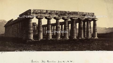 AVQ-A-002966-0123 - La Basilica a Paestum ripresa da nord ovest - Data dello scatto: 1859 - Archivi Alinari, Firenze