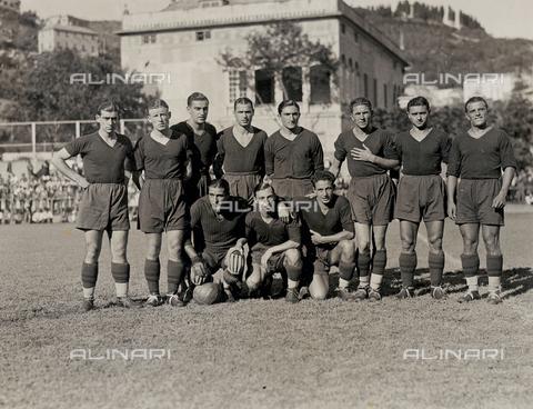 AVQ-A-003416-0030 - Genova soccer team