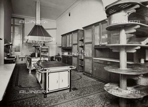AVQ-A-003455-0027 - Kitchen of the Aviator House, Rome