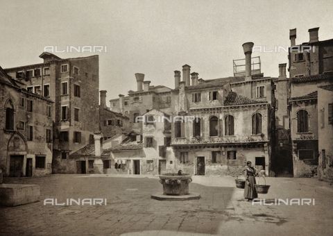 AVQ-A-003475-0055 - Animated view of Campo della Maddalena, Venice - Date of photography: 1890-1895 - Fratelli Alinari Museum Collections, Florence