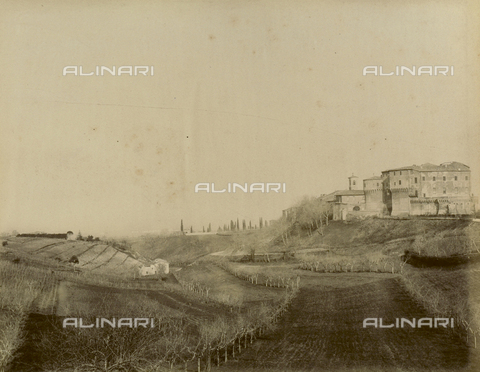 """AVQ-A-003554-0025 - """"Rocche e roccie"""" (Rocks and Fortresses): view of the Dozza countryside with the Rocca or fortress, in the Province of Bologna - Date of photography: 1892-1899 - Fratelli Alinari Museum Collections, Florence"""