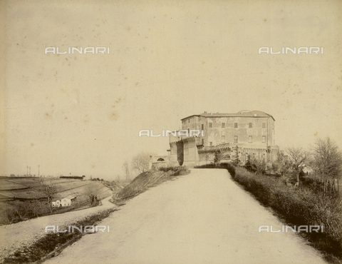 """AVQ-A-003554-0026 - """"Rocche e roccie"""" (Rocks and Fortresses): Rocca or Fortress of Dozza, Province of Bologna, south side - Date of photography: 1892-1899 - Fratelli Alinari Museum Collections, Florence"""