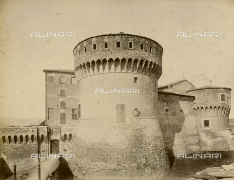 """AVQ-A-003554-0027 - """"Rocche e roccie"""" (Rocks and Fortresses): the east bastion of the Rocca or Fortress of Dozza, Province of Bologna - Date of photography: 1892-1899 - Fratelli Alinari Museum Collections, Florence"""