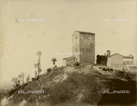 """AVQ-A-003554-0029 - """"Rocche e roccie"""" (Rocks and Fortresses): view of Varignana, near Castel San Pietro Terme - Date of photography: 1892-1899 - Fratelli Alinari Museum Collections, Florence"""
