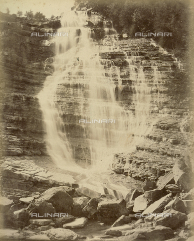 """AVQ-A-003554-0042 - """"Rocche e roccie"""" (Rocks and Fortresses): the waterfall from the Acquacheta, at San Benedetto in Alpe, Forlì - Date of photography: 1892-1899 - Fratelli Alinari Museum Collections, Florence"""