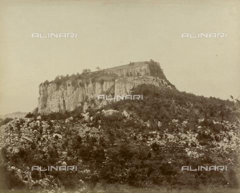 "AVQ-A-003554-0063 - ""Rocche e roccie"" (Rocks and Fortresses): the Sasso Simone (Simone Rock), near Carpegna, Pesaro - Date of photography: 1892-1899 - Fratelli Alinari Museum Collections, Florence"