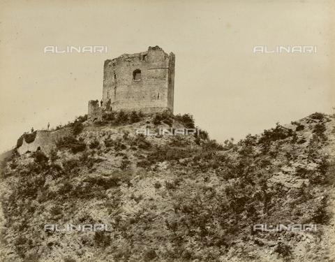 """AVQ-A-003554-0067 - """"Rocche e roccie"""" (Rocks and Fortresses): the Rocca or Fortress degli Alberti in Cerbaia, San Casciano, Val di Pesa - Date of photography: 1892-1899 - Fratelli Alinari Museum Collections, Florence"""