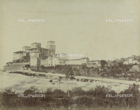 """AVQ-A-003554-0096 - """"Rocche e roccie"""" (Rocks and Fortresses): the Castello di Torrechiara, in the Province of Parma - Date of photography: 1892-1899 - Fratelli Alinari Museum Collections, Florence"""
