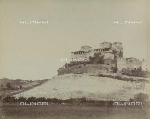 "AVQ-A-003554-0098 - ""Rocche e roccie"" (Rocks and Fortresses): the Castello di Torrechiara, near Langhirano, Province of Parma - Date of photography: 1892-1899 - Fratelli Alinari Museum Collections, Florence"