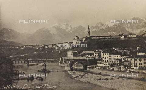 "AVQ-A-003604-0061 - Album ""Visions of War 1915-1918"": rubble of the bridge over the Piave Belluno - Data dello scatto: 1917-1918 - Archivi Alinari, Firenze"