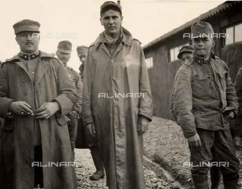AVQ-A-003705-0087 - Prigioniero a Bagnaria Arsa, Udine, durante la Prima Guerra Mondiale - Data dello scatto: 1916 - Archivi Alinari, Firenze