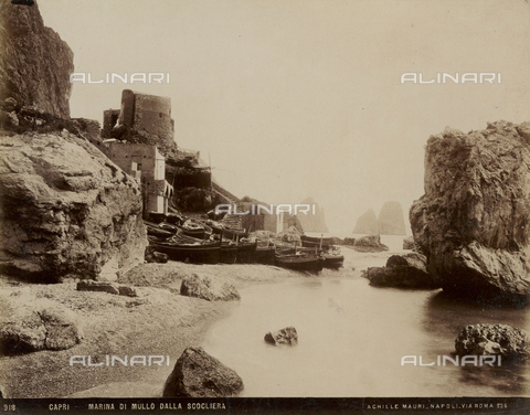 AVQ-A-003738-0025 - View of the Marina di Mulo from the cliff of Capri - Date of photography: 1890 ca. - Fratelli Alinari Museum Collections, Florence