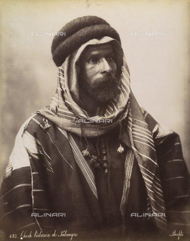 AVQ-A-003744-0035 - Ritratto di beduino - Data dello scatto: 1896 - Archivi Alinari, Firenze