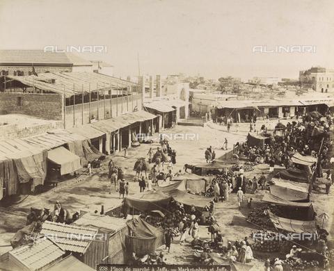 AVQ-A-003744-0042 - Piazza del mercato a Jaffa (oggi Tel Aviv-Jaffa) in Israele - Data dello scatto: 1896 - Archivi Alinari, Firenze