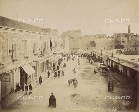 AVQ-A-003744-0048 - Street in Jerusalem, Israel - Data dello scatto: 1896 - Archivi Alinari, Firenze
