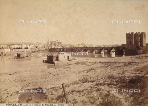 AVQ-A-003817-0001 - Veduta panoramica di Cordova, Spagna - Data dello scatto: 1880 ca. - Raccolte Museali Fratelli Alinari (RMFA), Firenze