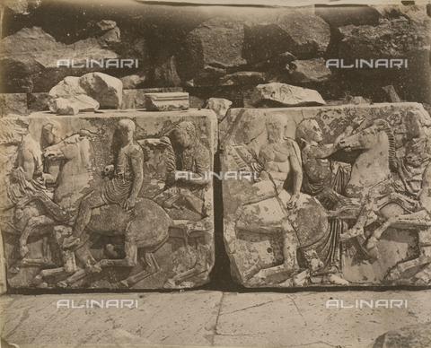 """AVQ-A-003848-0005 - """"Souvenirs d'Orient"""": metope del Partenone, Atene - Data dello scatto: 1871 - Raccolte Museali Fratelli Alinari (RMFA), Firenze"""