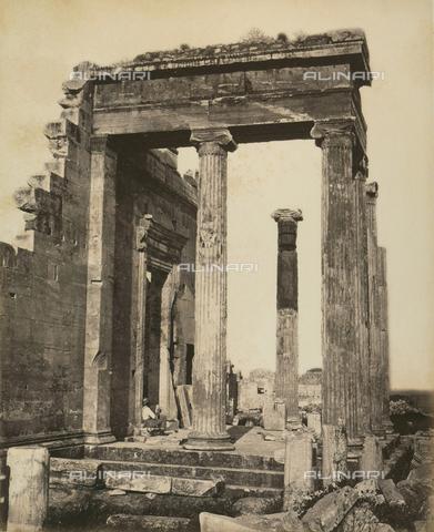 """AVQ-A-003848-0009 - """"Souvenirs d'Orient"""": Eretteo sull'Acropoli di Atene - Data dello scatto: 1871 - Raccolte Museali Fratelli Alinari (RMFA), Firenze"""