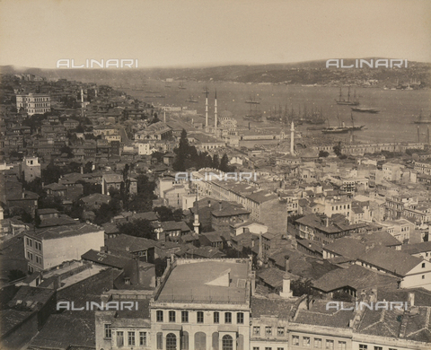 """AVQ-A-003848-0040 - """"Souvenirs d'Orient"""": panorama of the city of Constantinople with port area - Date of photography: 1871 - Fratelli Alinari Museum Collections, Florence"""