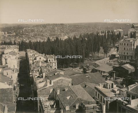 """AVQ-A-003848-0042 - """"Souvenirs d'Orient"""": panorama della città di Costantinopoli - Data dello scatto: 1871 - Raccolte Museali Fratelli Alinari (RMFA), Firenze"""