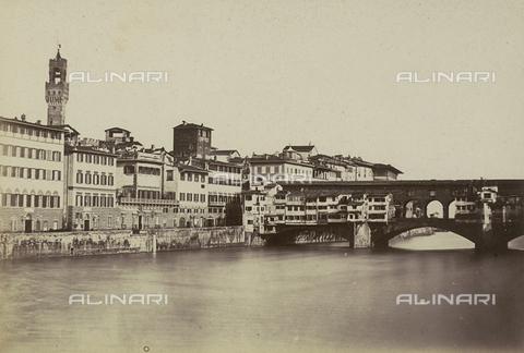 AVQ-A-003862-0024 - Firenze lungo l'Arno: il Ponte Vecchio - Data dello scatto: 1860 ca. - Archivi Alinari, Firenze