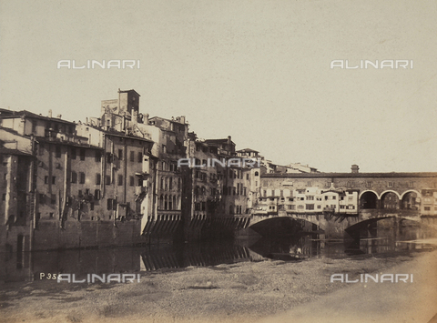 AVQ-A-003862-0060 - View of Florence from the right side of the Arno with Ponte Vecchio in the foreground - Data dello scatto: 1865 ca. - Archivi Alinari, Firenze