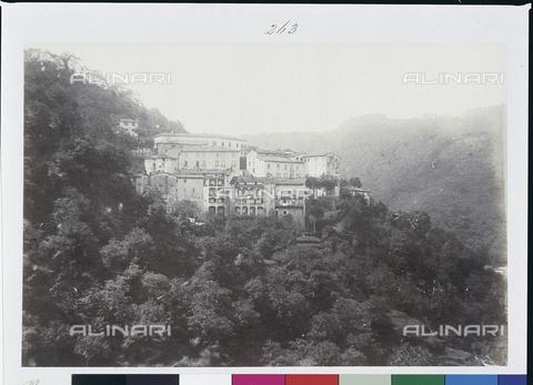 AVQ-A-003862-0085 - Bagni Caldi, stazione termale nei pressi di Bagni di Lucca - Data dello scatto: 1870 ca. - Archivi Alinari, Firenze