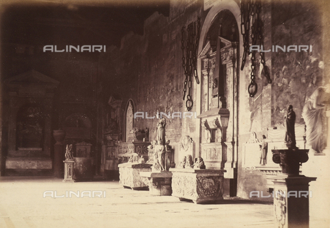 AVQ-A-003862-0100 - Wing of the Pisa Cemetery, adorned with frescoes, statues and sepulchres - Date of photography: 1860 ca. - Fratelli Alinari Museum Collections, Florence