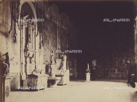 AVQ-A-003862-0101 - Braccio del Camposanto di Pisa, adorno di affreschi, statue e sepolcri - Data dello scatto: 1865 ca. - Archivi Alinari, Firenze
